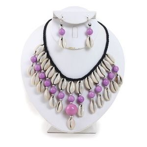 Jewelry - Cowry shell necklace and earring set (Pink)